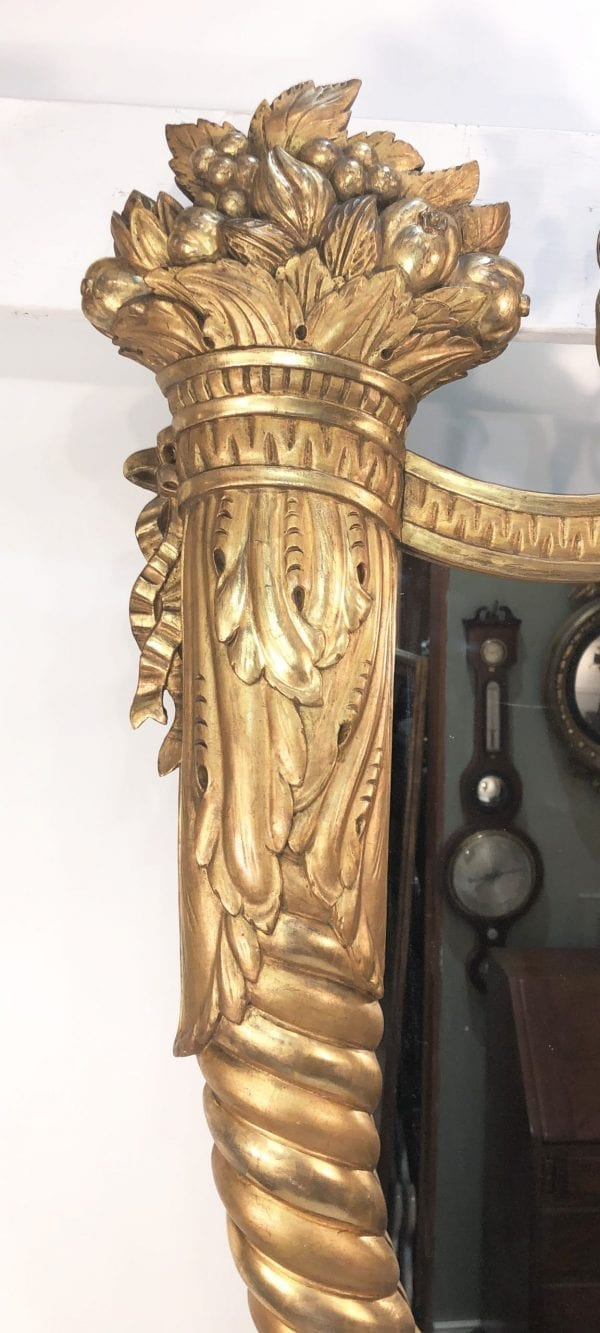 Early 19th Century American Federal Gilt Wood Mirror